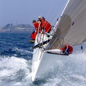 racing-sailing-boat-yacht-1